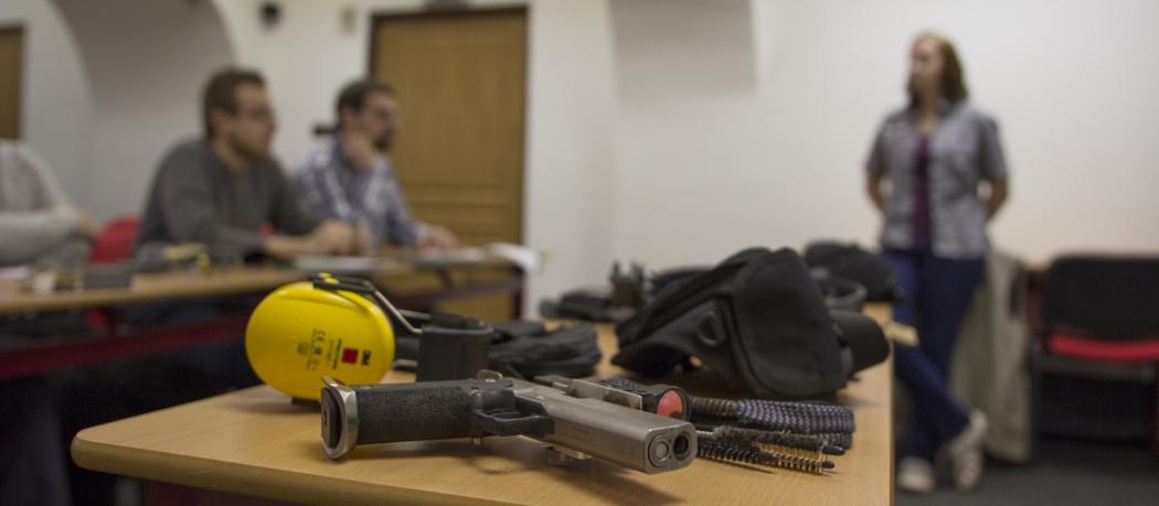 JVZ - jak vybrat zbraň - základní střelecký kurz