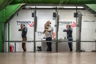 terčová střelnice v Brně při střelbě